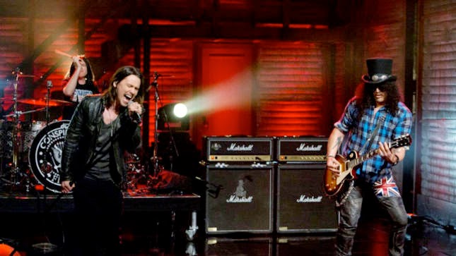 slash-performs-new-single-bent-to-fly-on-conan-video-online-image