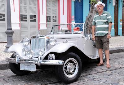 José Carlos Guerra ao lado de seu MP Lafer, de impressionante estado de conservação e originalidade. Um de seus objetivos é fundar um clube dedicado ao modelo, em Pernambuco.
