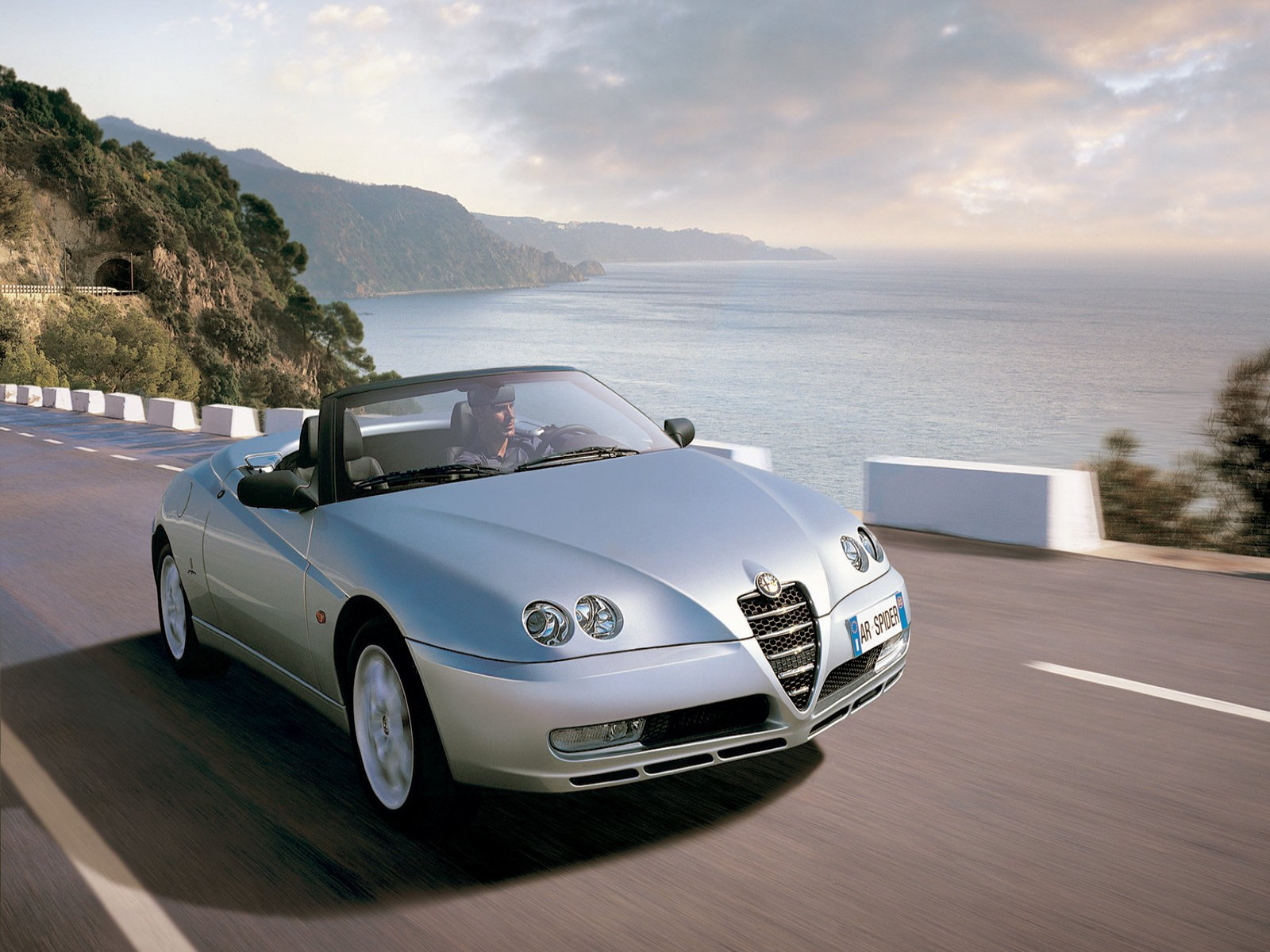 Car Pictures: Alfa Romeo Spider 2003