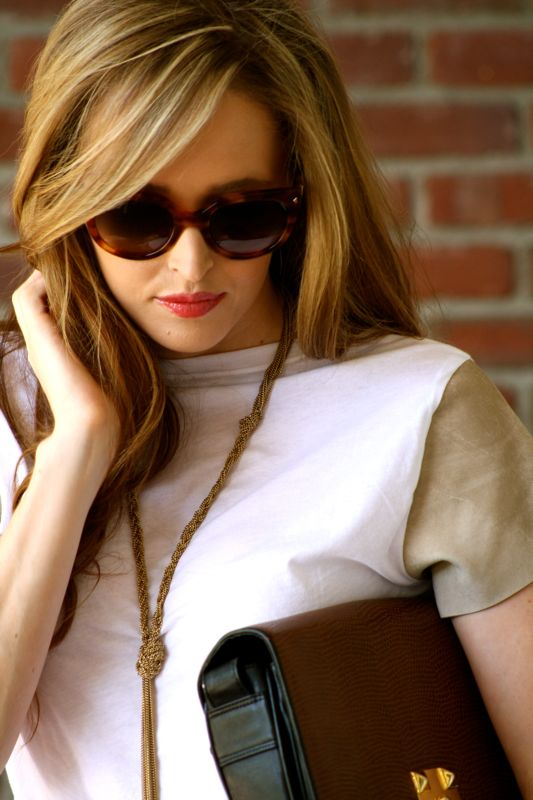 Personal style blogger- personal style blog-Golden Divine blog- prada sunglasses-Marciano pumps