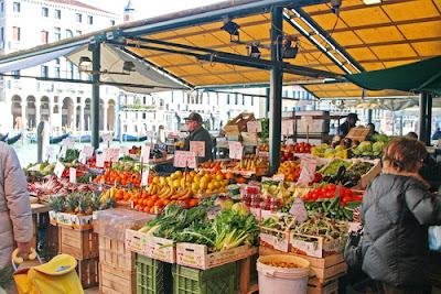 Tempat wisata terkenal di Venice Italia Rialto market Venice