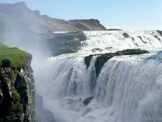 Amazing-Waterfall-Wallpapers