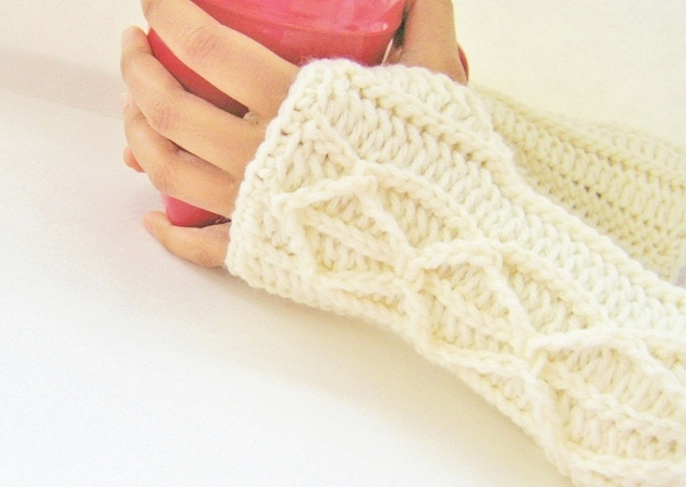 Lighting Fast Fingerless Mittens With Faux Cables