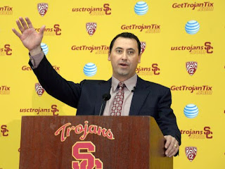 USC head coach Steve Sarkisian apologizes for drunken appearance as school event.