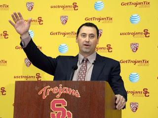 USC head coach Steve Sarkisian apologizes for drunken appearance as school event.