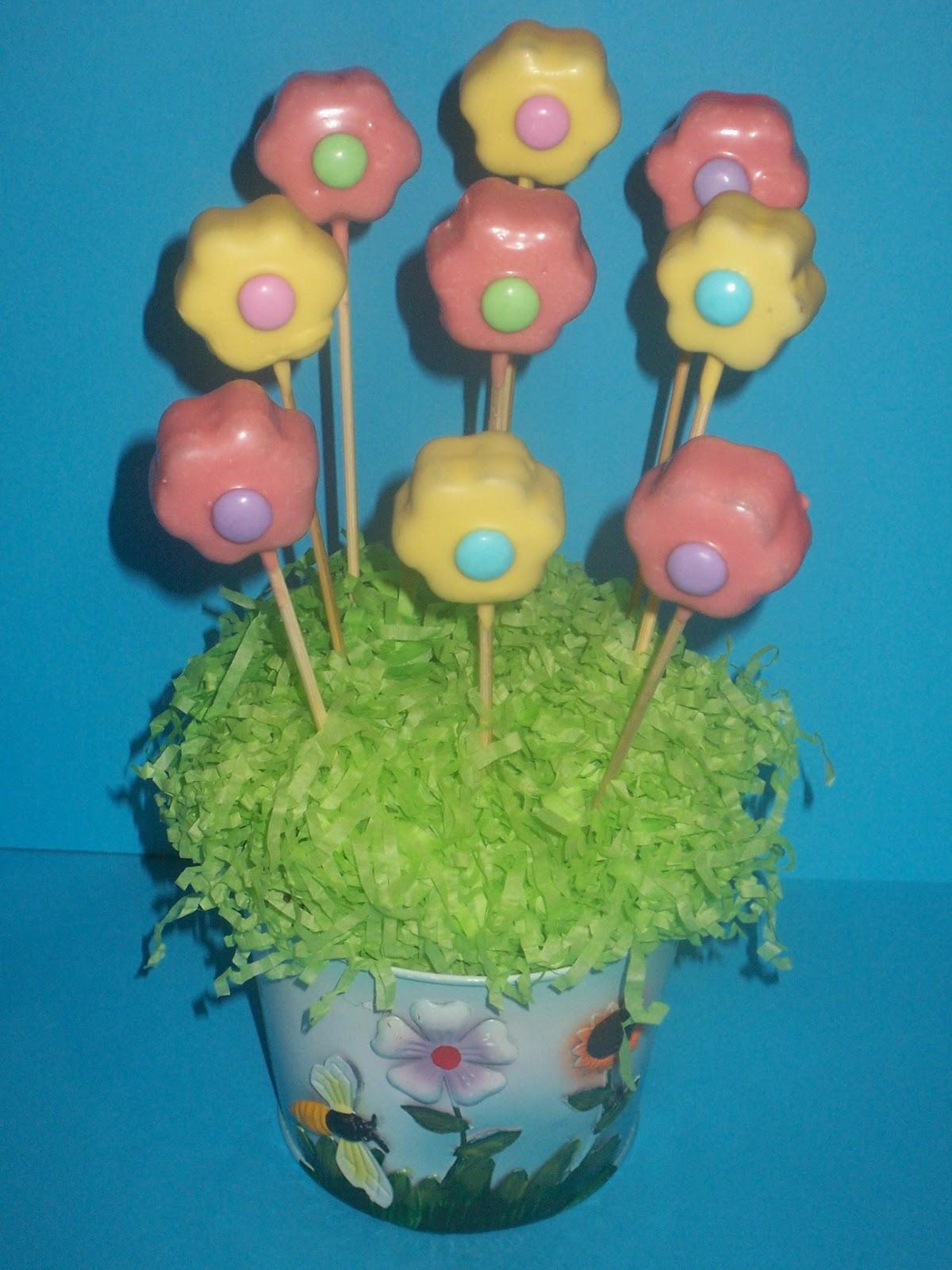 Flower Cake Balls : UNIQUELY CUPCAKED: Flower Cake Pops