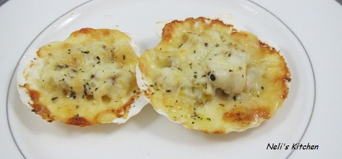 Crab Meat in Scallop Shell