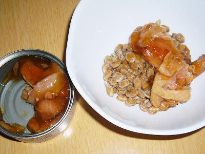 納豆にいなばとり照りやき風味付缶詰
