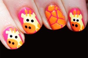 Жираф рисунок на ногтях