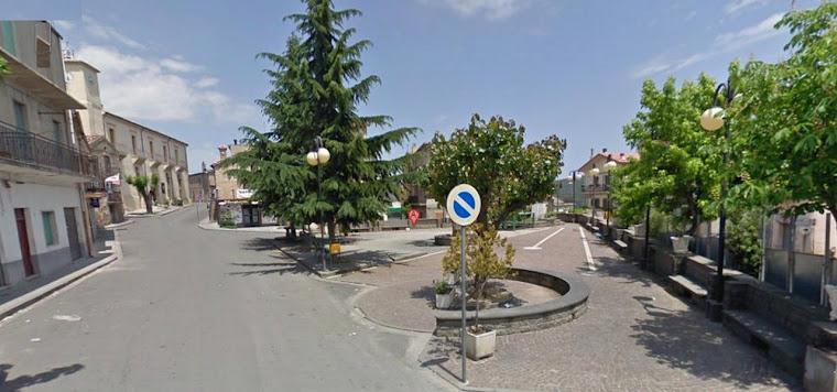 VERZINO: piazza Campo