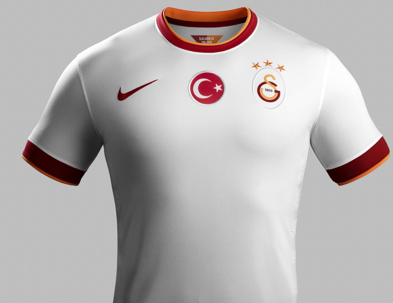 http://2.bp.blogspot.com/-VPiy-py5l7c/U8jdBWn9GKI/AAAAAAAAUZI/qvejZSQ5fQA/s1600/Nike-Galatasaray-14-15-Away-Kit+(2).jpg