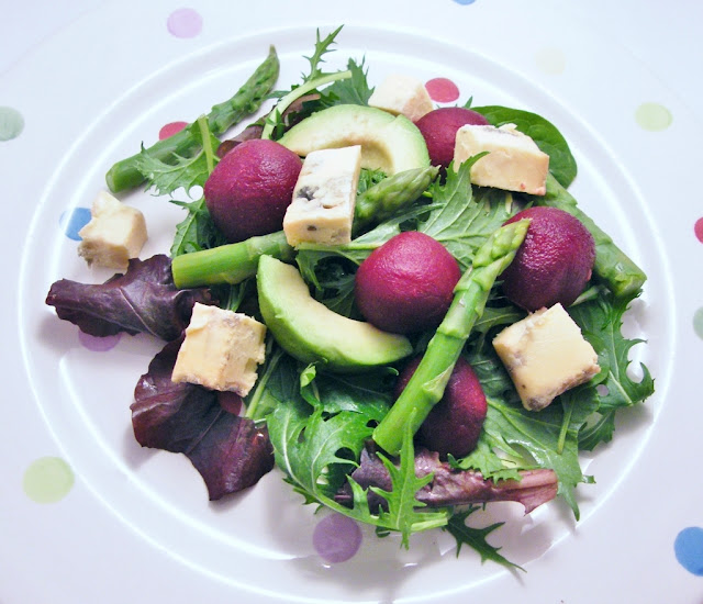 ... and with an eye to the summer i am tucking into a lot of salads and