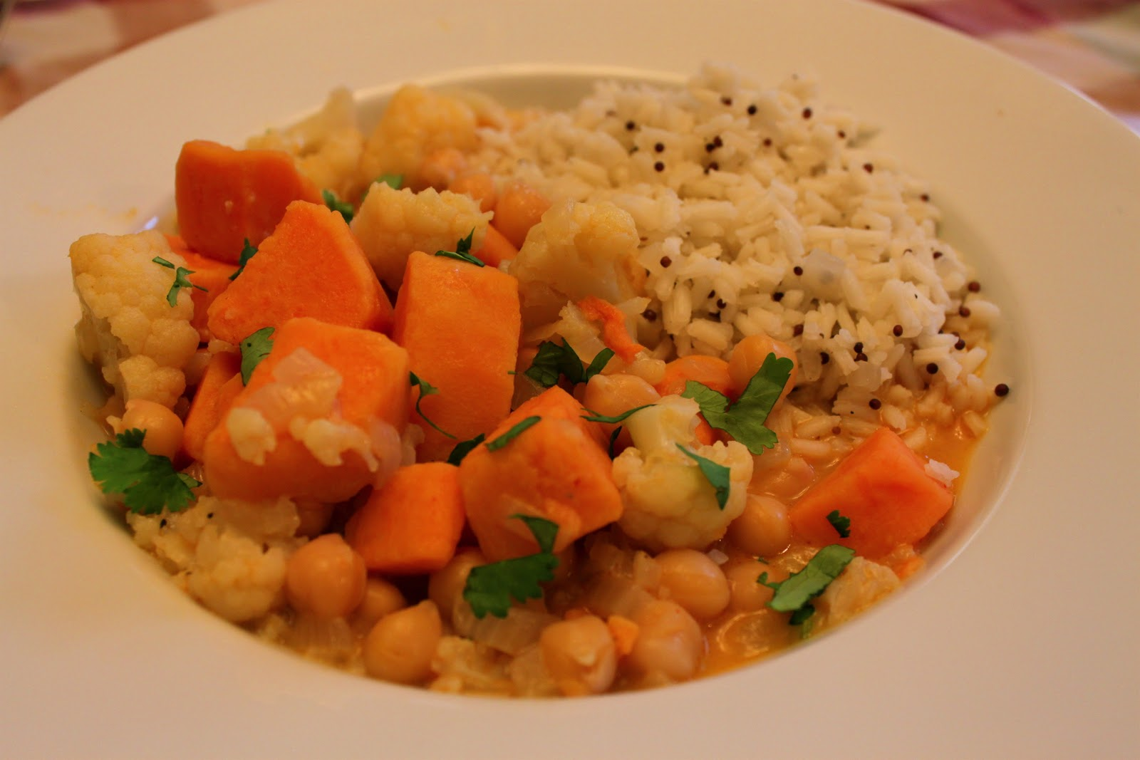 Salads and Such: Simple Vegetable Curry