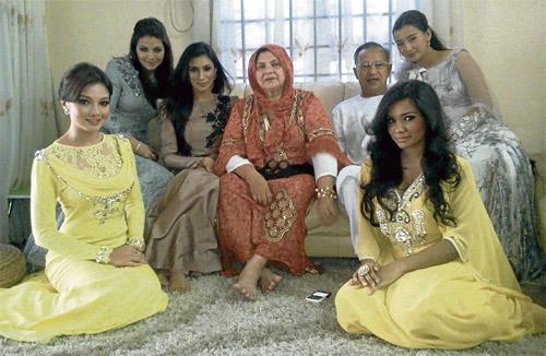 keluarga+neelofa