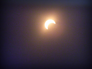 Annular eclipse begins over Albuquerque, New Mexico