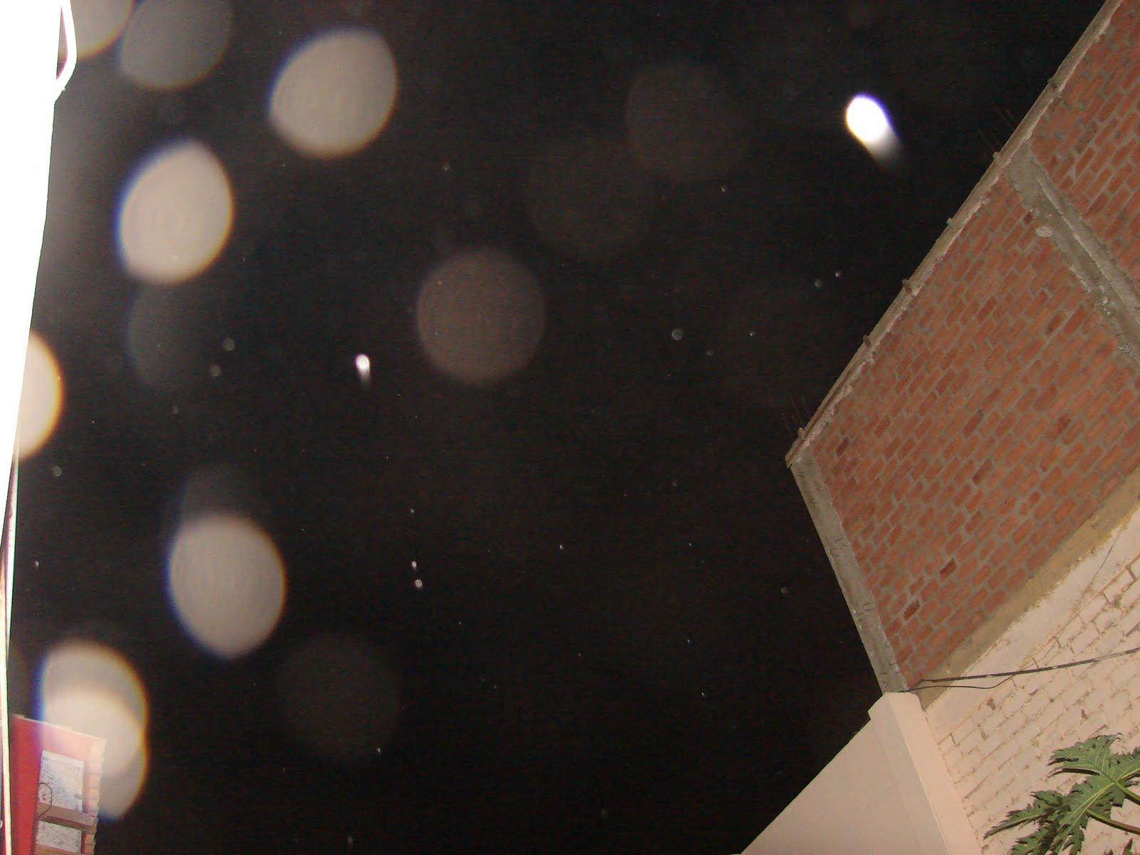ATENCION-24julio-25-26-27-28-29...2011 ultimos avistamientos ovni Mi casa Huacho-Peru hoy 5:15 am