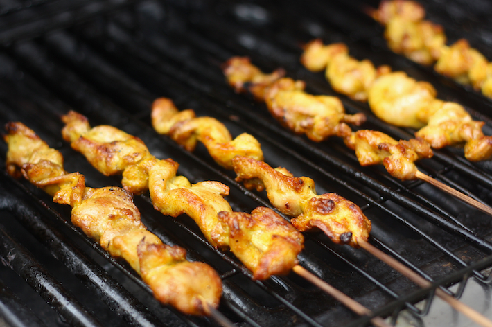 Satay on the grill by SeasonWithSpice.com