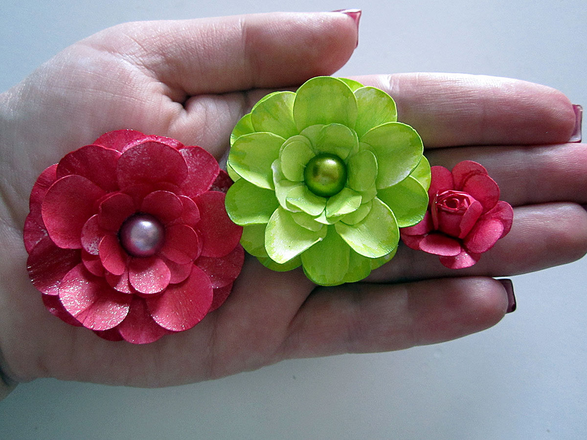 Clayguana Self Made Paper Flowers In A Simple Card