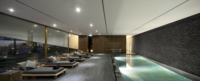 Picture of the indoor swimming pool