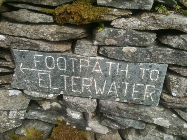 footpath sign to Elterwater