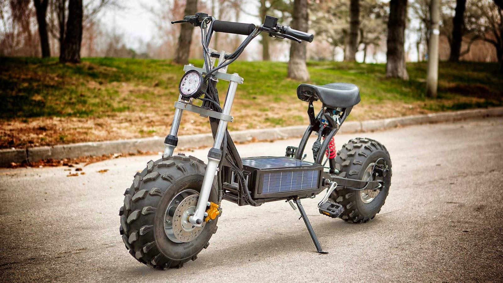 napelemes motorbicikli, közlekedés, környezetvédés, Beast, Fenevad, Deymak,