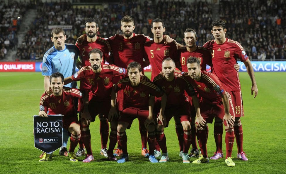 Spain football team photo vs slovakia 2014