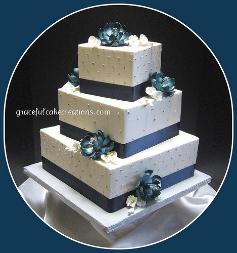 Blue and White Square Wedding Cake To see daily pictures recipes
