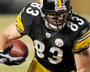 Count the sports pictures to 100 (then start over)! - Page 4 Steelers-TE-Heath-Miller-inks-big-deal