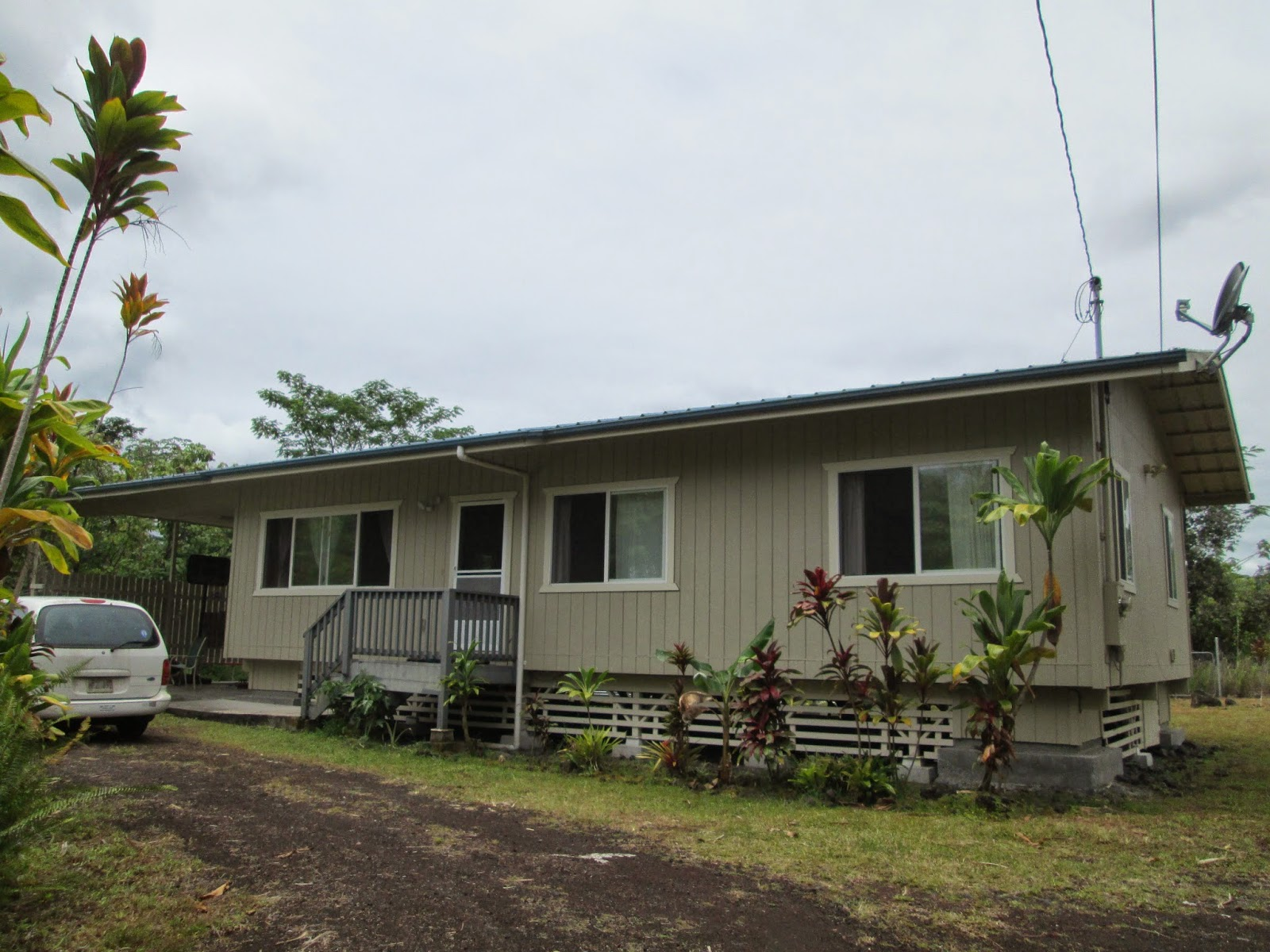 family travel blog furnishing a home in hawaii on the