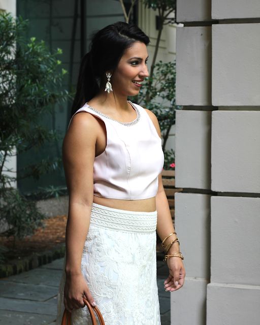 pink crop top, lace skirt, summer fashion, turban space, alex and ani, tory burch