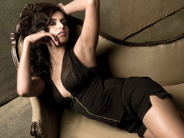 nathalia kaur spicy nathalia kaur new actress pics