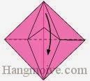 Bước 12: Gấp cạnh giấy xuống dưới một góc 90 độ.