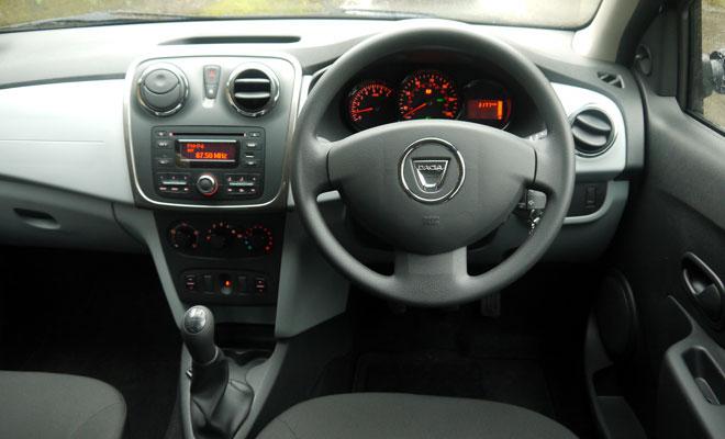 Dacia Logan MCV cockpit