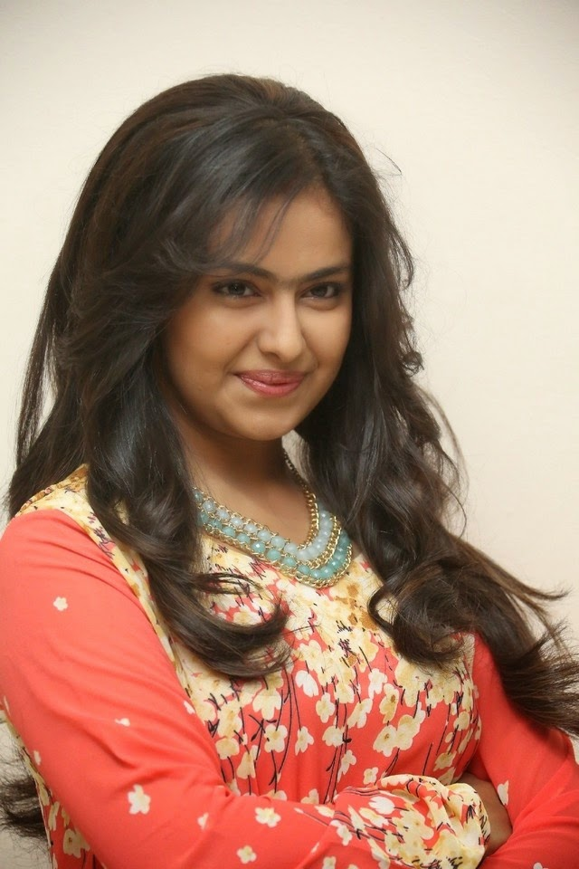Avika Gor New Stills In Pink Suit
