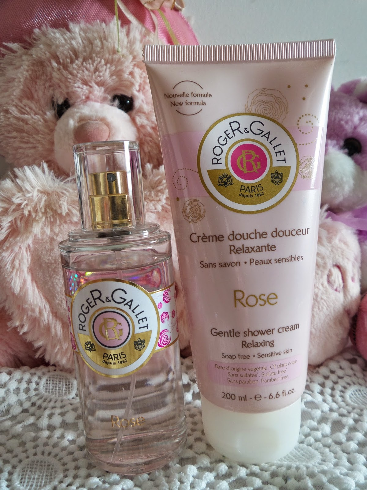 Gel  para Banho Douche Douceur Relaxante Roger & Gallet,  Perfume Feminino Rose Roger & Gallet:  Floral cítrica