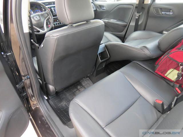 Honda City EXL 2016 - espaço traseiro