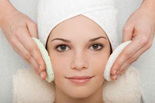 Tips merawat kulit wajah bebas dari jerawat