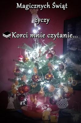 Magicznych Świąt życzy Korci mnie czytanie!