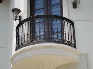 Railling Balkon Minimalis Yang Indah dan Menawan
