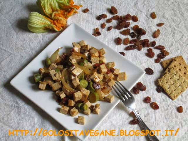 cipolle, noce moscata, pomodori secchi, ricette vegan, Secondi, shoyu, tamari, tofu, uvetta, zucchine,