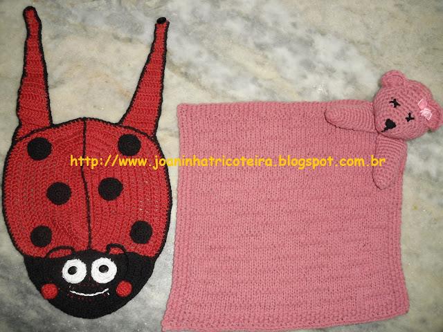 babador Joaninha em crochet e naninha em tricot