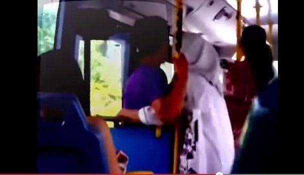 GEMPAR Video Budak Sekolah Beromen Di Tangga Bas Tersebar
