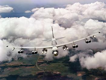 Boeing B-52G Stratofortress w/AGM-48 Skybolt ALBMs