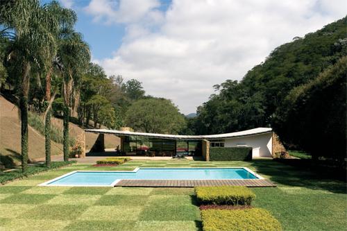 La forma moderna en latinoam rica casa cavanelas for Fotos de casas modernas brasileiras