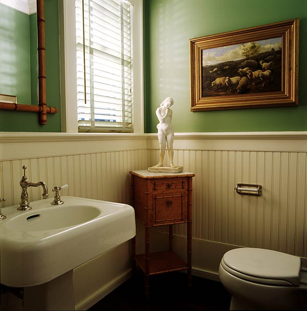 tradtional bath design, green walls