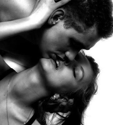 Flutuam-se os encantos onde os ventos se sil�nciam no amor