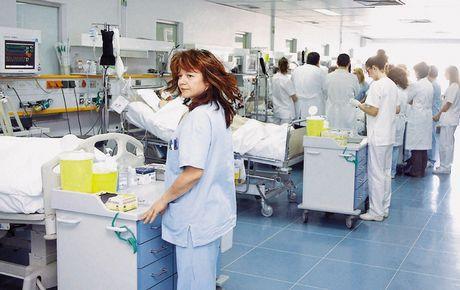Οι παράνομες Νοσοκόμες, η ΧΡΥΣΗ ΑΥΓΗ και ο..ΣΥΡΙΖΑ