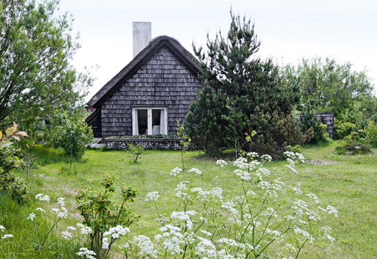 The summer house of John Lassen in Denmark. Photo by Lars Kaslov.
