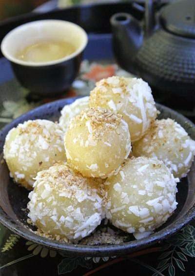 Vietnamese Food - Bánh Củ Sắn và Đậu Xanh