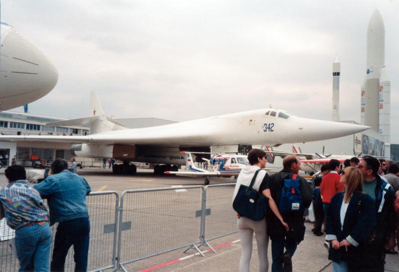 Photos avions voyages aviation russe au bourget paris for Bourget paris